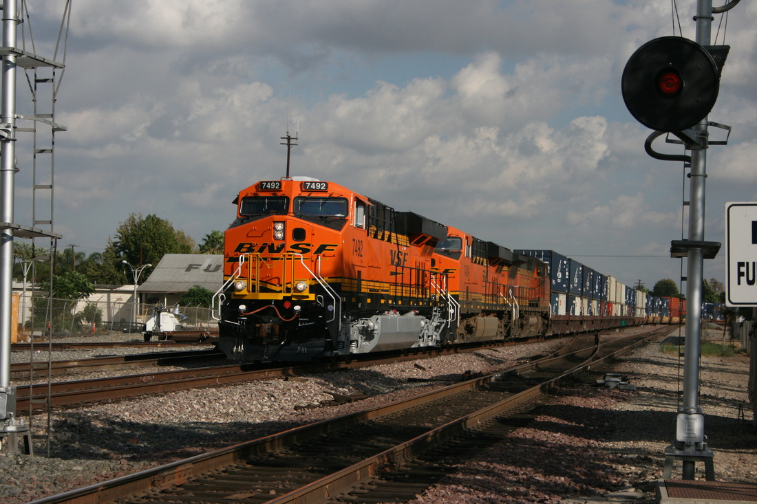 Railfan Locations - Fullerton, California - RailfanLocations